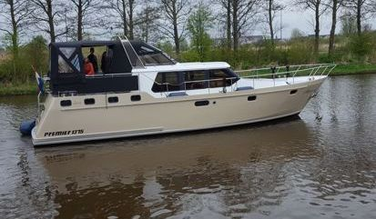 Barco a motor Premier 1375 (2000)