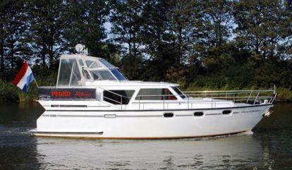 Barco a motor Pedro Solano 38 (2000)