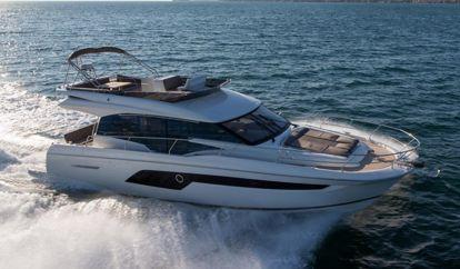 Motor boat Prestige 520 Fly (2018)