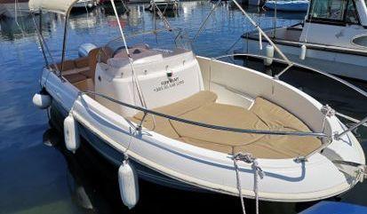 Speedboat Jeanneau Cap Camarat 5.5 CC (2011)
