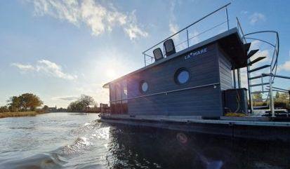 Houseboat Custom Built (2020)