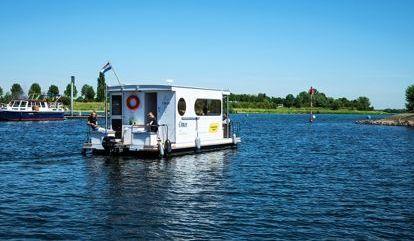 Houseboat Custom Built (2019)