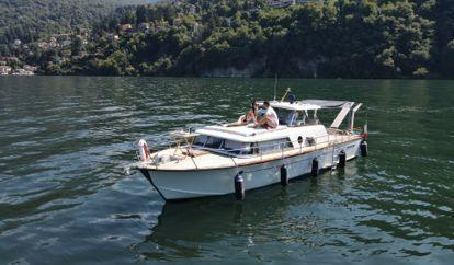 Barco a motor Picchiotti Giglio (1961)