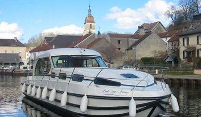Motor boat Nicols Sedan 1310 (2009)