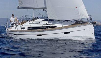 Sailboat Bavaria Cruiser 37 (2020)