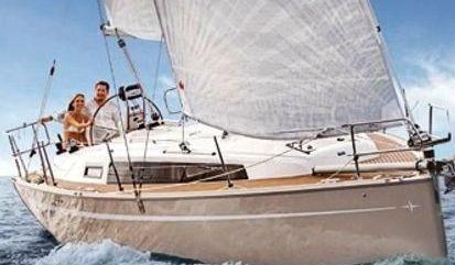 Sailboat Bavaria Cruiser 34 (2021)