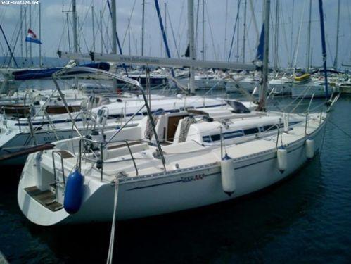 Sailboat Elan 333 (2002)