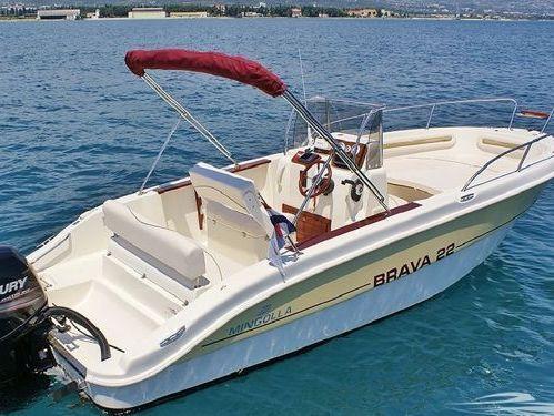 Speedboat Mingolla Brava 22 (2012)