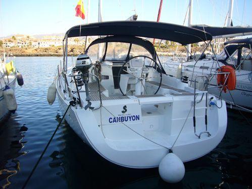 Sailboat Beneteau Oceanis 37 (2011)