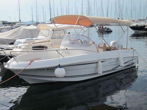 Speedboat Jeanneau Cap Camarat 5.5 CC (2012)