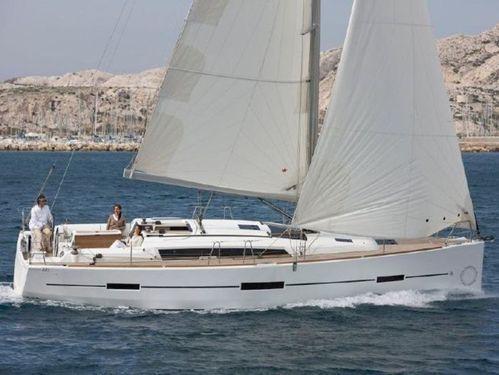 Sailboat Dufour 412 (2017)