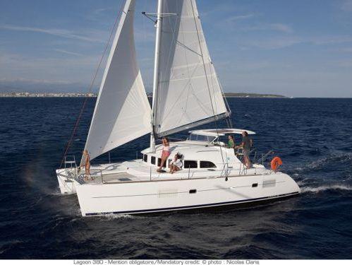 Catamaran Lagoon 380 Premium (2018)