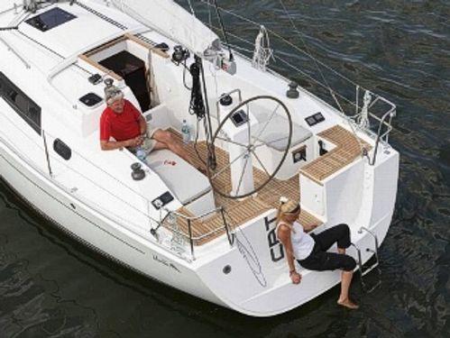 Sailboat Hanse 325 (2015)