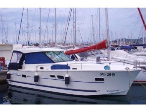 Motor boat Delphia 1050 (2012)