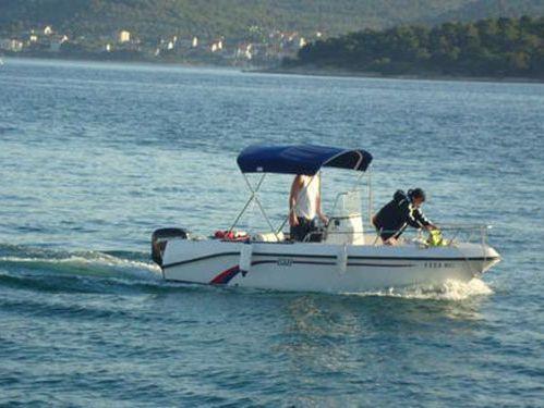 Speedboat Elan 17 CC (2010)