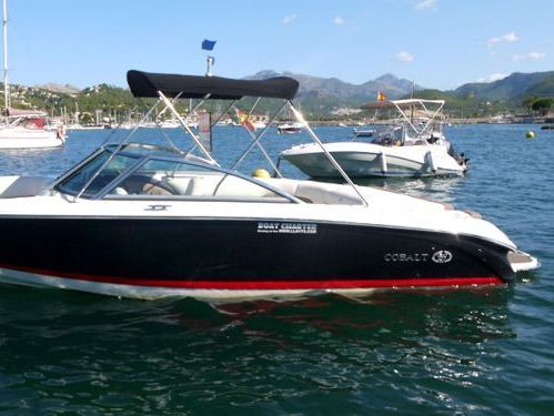 Motor boat Cobalt 222 (2012)