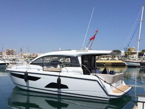 Motor boat Sealine C330 (2016)