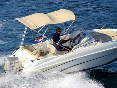 Speedboat Beneteau Flyer 550 Sun Deck (2008)