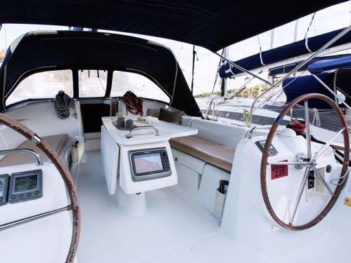 Sailboat Beneteau Cyclades 43.4 (2007)