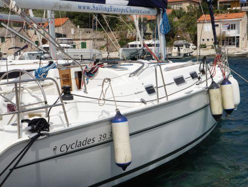 Sailboat Beneteau Cyclades 39.3 (2007)