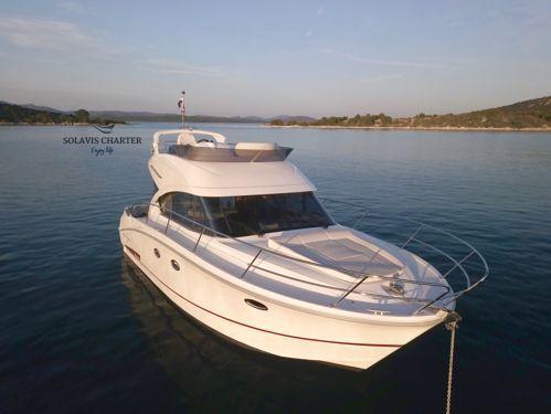 Motor boat Beneteau Antares 36 Fly (2019)
