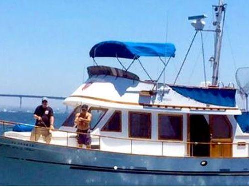 Barco a motor Fisherman  (2019)