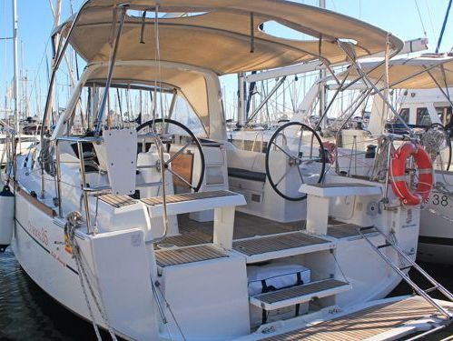 Sailboat Beneteau Oceanis 35.1 (2020)