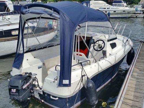 Motorboot Quicksilver 450 Cabin (2014)