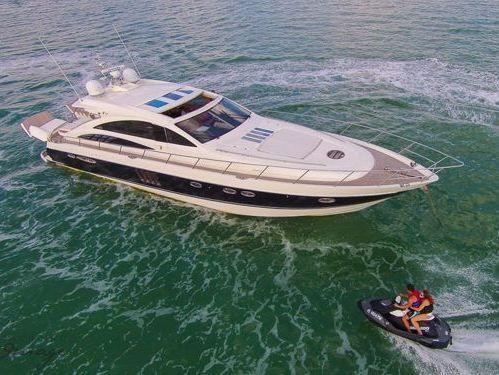 Motor boat Sunseeker Predator 82 (2010)