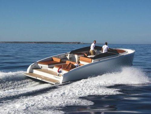 Motorboot Vanquish 43 (2014)