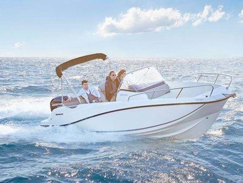 Motor boat Invictus 240 FX (2017)
