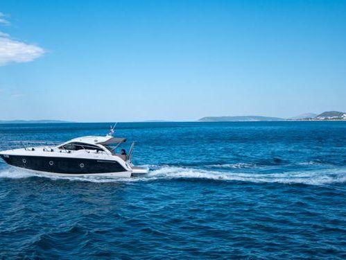 Barco a motor Sessa C 35 (2018)