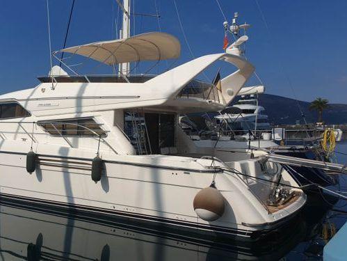Motor boat Princess 20 M (1995)