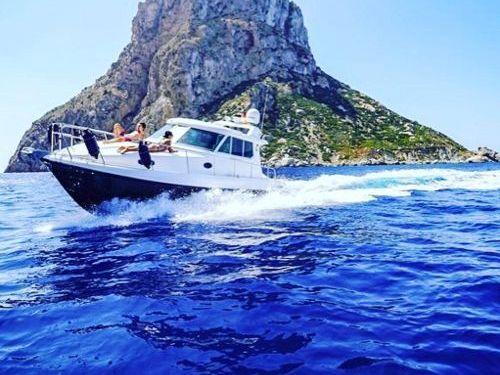 Motor boat Ambassador 32 (2009)