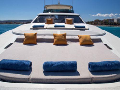 Motor boat Astondoa 102 GLX (2007)