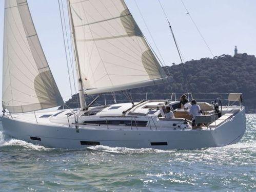 Sailboat Dufour 430 (2019)