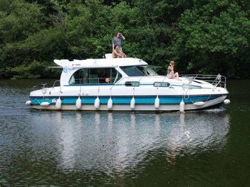 Motor boat Nicols Sedan 1170 (2001)