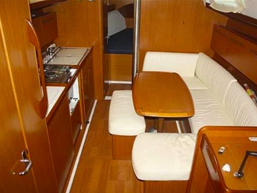 Sailboat Beneteau Cyclades 39 (2008) (4)