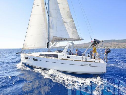 Sailboat Beneteau Oceanis 35 (2015) (2)