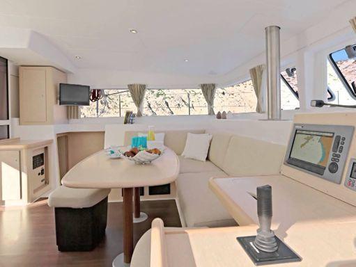 Catamaran Lagoon 400 - 2014 (refit 2018) (1)