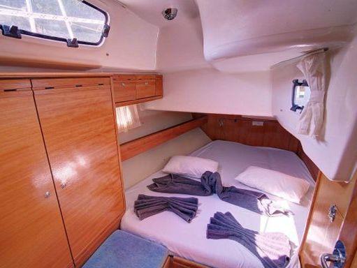 Sailboat Bavaria Cruiser 46 (2008) (2)