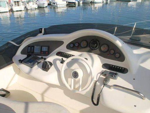 Motorboat Azimut 46 (2000) (2)