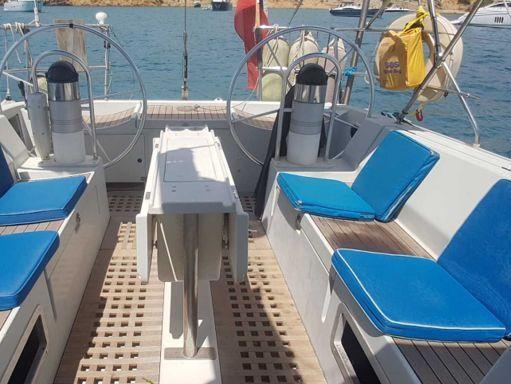 Sailboat Beneteau Oceanis 500 - 1990 (refit 2020) (2)