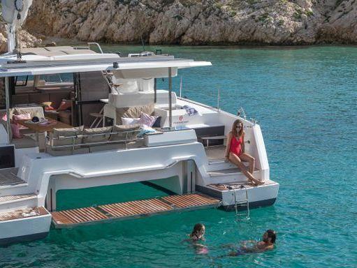Catamaran Fountaine Pajot Astrea 42 (2020) (2)