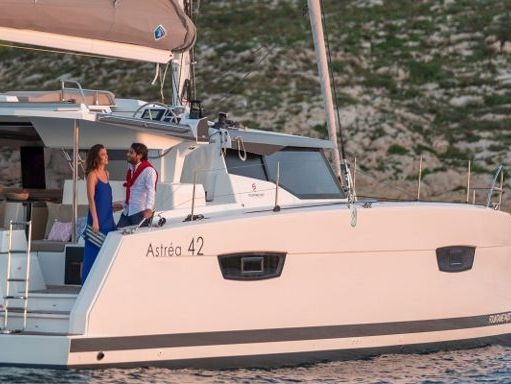 Catamaran Fountaine Pajot Astrea 42 (2020) (1)