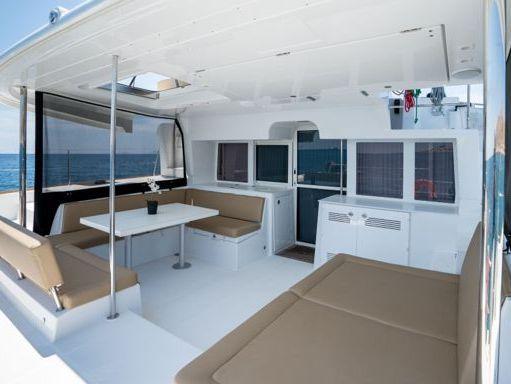Catamaran Lagoon 450 F (2019) (2)